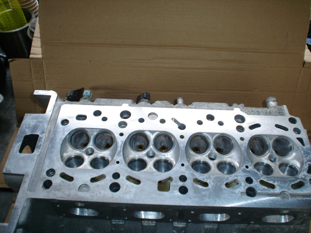 Ported BMW 316Ti head.